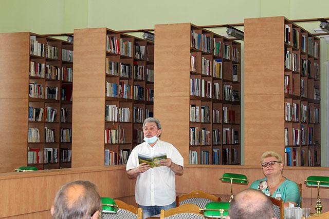 """о 187-ої річниці від дня народження Юрія Федьковича відбулася презентація  серії листівок """"Соловієві Славному – Слово"""""""